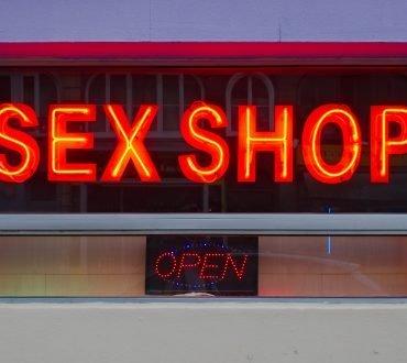 Jucăriile sexuale din sexshop, beneficii la care nici nu te gândeai